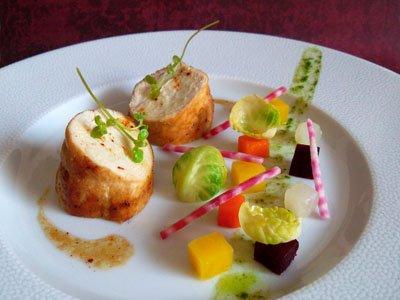 Pintade au jus corsé et légumes de saison dans 3 - PLATS pintadejuslegumes