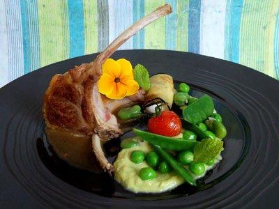 Côtes d'agneau et légumes printaniers, jus tomaté dans 3 - PLATS cotesagneaulegumesprintaniers