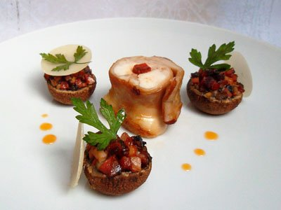 Râble de lapin piqué au chorizo et champignons farcis dans 3 - PLATS lapinchorizochampignonsfarcis
