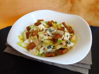 Salade d'endives au Roquefort et pain d'épices dans 2 - ENTREES saladeendivesroquefort