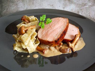 Rôti de veau, crème aux champignons et tagliatelles à l'ail des ours veauchampignonstagliatelles